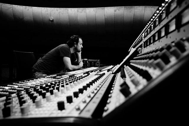 Vybíráme sluchátka s koncertním zvukařem - Zbyněk Válka