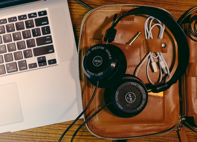 Nejlepší sluchátka pro poslech při práci - otevřené modely