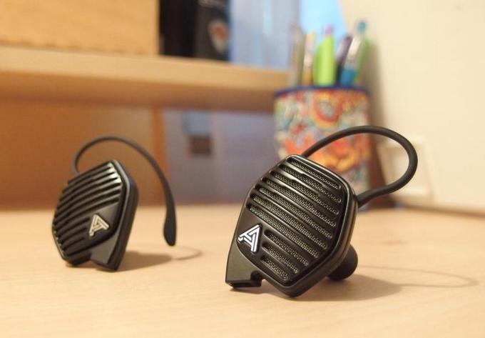 Audeze LCD-i3 jako nejlepší sluchátka do kanceláří i ložnic