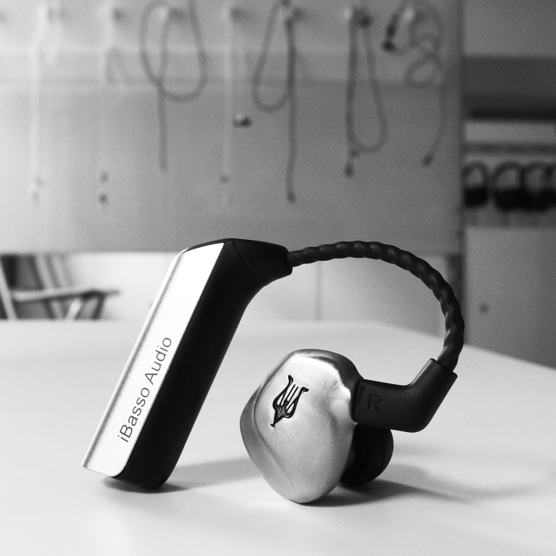iBasso CF01 - I vaše oblíbené in-eary přijdou brzy o dráty